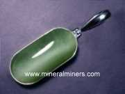 Jade Jewelry: natural cats eye jade pendant