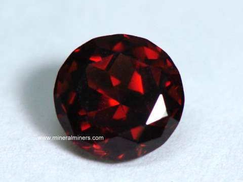 Mozambique Red Garnet Gemstones