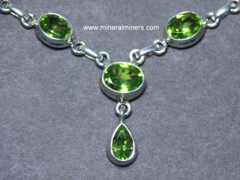 top twist pendant necklace peridot silver